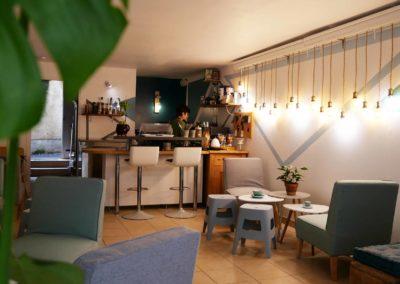 barista pilea café gourmand Beaulieu-sur-Dordogne